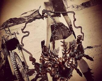 Necklace metal bronze Hunt Deer Katniss Everdeen steampunk