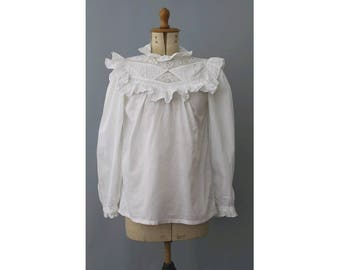 1980s Indian embroidered ruffled white cotton Blouse small