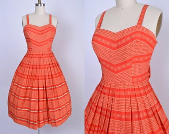 Vintage 1950s Dress 50s Sundress with Full skirt Fitted Bodice Party Dress
