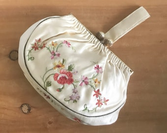 1940s Ivory Silk Satin Saks Fifth Avenue Dance Purse Embroidered with Flowers Made in France