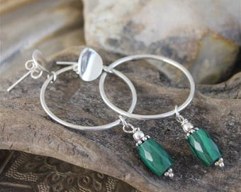 Silver stone earrings with faceted malachite