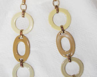 1960s MOD Orange & Tan Disc and Loop Necklace