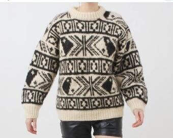 SALE Vintage Wool Sweater / Yin Yang Sweater / White Black Sweater / Wool Sweater / Winter Sweater / 90s Sweater / Vintage Sweater / Man Swe