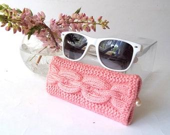SALE - 50% OFF. Pink Glasses Case. Reading Glasses Case. Eyeglasses or Sunglasses Holder. Knit Glasses Case.