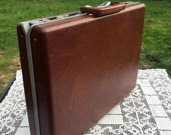 Save 15% OFF Samsonite Classic IV Briefcase Dark Brown Attache Case Mad Men 70's/80's Laptop Notebook Commuter Student Vegan Friendly Retro