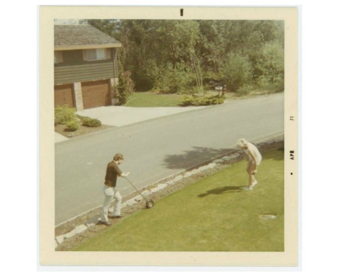 Vintage Photo Snapshot: Yard Work, 1971 (76588)