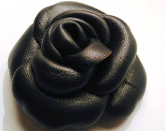Black lamb leather brooch