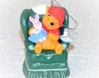 "1997 Hallmark Keepsake ""Waitin' On Santa"" Winnie The Pooh Ornament"