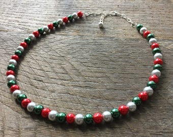 Silver Red Green Christmas Necklace, Pearl Necklace, Christmas Jewelry, Single Strand Necklace, Xmas Necklace, Xmas Jewelry on Silver Chain