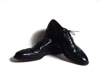 Allen Edmonds, wingtip shoes, Allen Edmonds McAllister shoes, made in USA, size 8.5 AA, mad men shoes, black leather wingtip shoes, wing tip