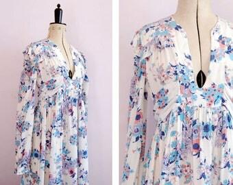 Vintage 1970s white floral folk prairie boho maxi dress - 70s pinafore dress - 70s hippy dress - 70s ruffle dress - 70s floral bohemian boho