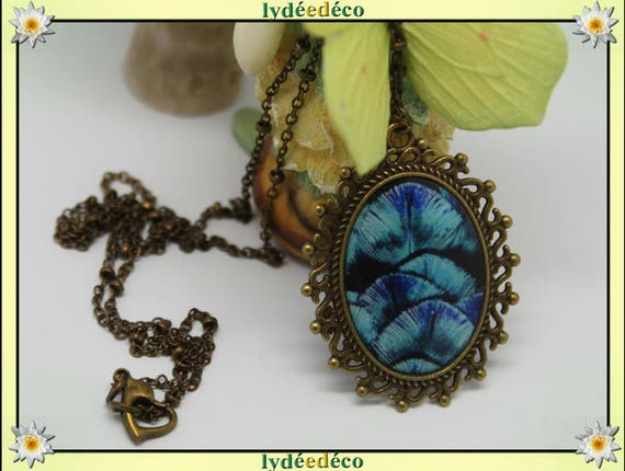 Necklace retro vintage vintage turquoise feather black resin and brass Locket 18 x 25mm