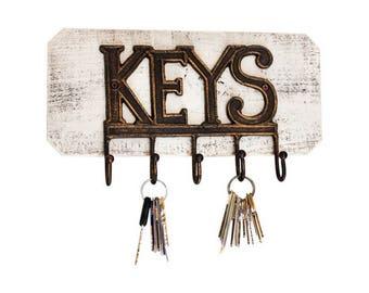Key Hooks on Reclaimed Wood Board - Whitewash