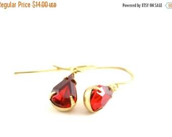 25% OFF SALE Vintage Ruby Red Earrings, Vintage Rhinestone Earrings, Christmas Red Earrings, Bridesmaid Gift, July Birthstone Earrings