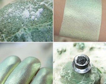 Eyeshadow: Earth Power - Alchemy. Magical gold-mint satin eyeshadow by SIGIL inspired.