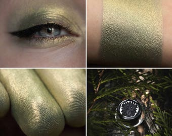 Eyeshadow: Entangling Pathfinders - Mountain Thorp. Olive eyeshadow by SIGIL inspired.