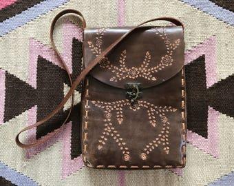 VTG Tooled Leather Purse // Vintage // Details // Crossbody // Handmade // Leather Craft // Floral // Bohemian