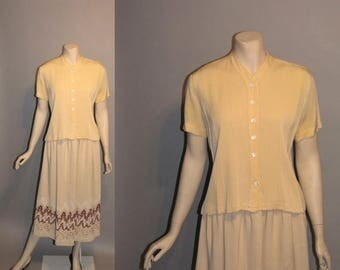 ON SALE 1950's Spring Yellow 50's Rayon Pale Yellow Casual Womens Blouse - L