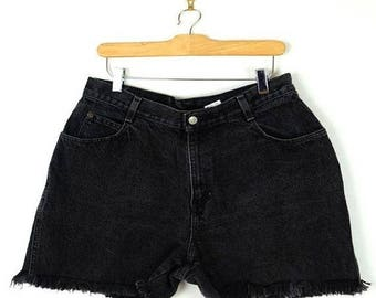 ON SALE Vintage Black Denim cut off Shorts from 90's/W30/grunge*