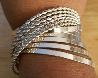 Vintage Silvertone Metal Intertwined 12 Bangle Bracelets