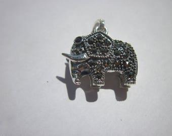 "Pendant shaped elephant in ""925"" and rhinestones (53)"