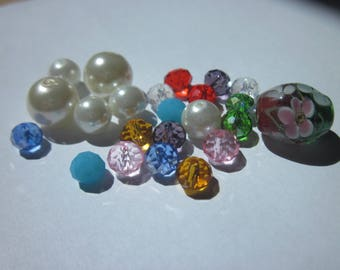 23 (L39) multicolored glass beads