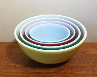 Pyrex Mixing Bowls ~ 400 Series ~ Primary Colors ~ Nesting Bowls ~ 4 Bowls ~ Mid Century
