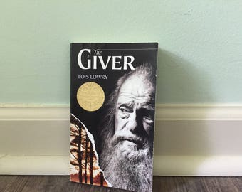 """Lois Lowry """"The Giver"""" paperback book"""
