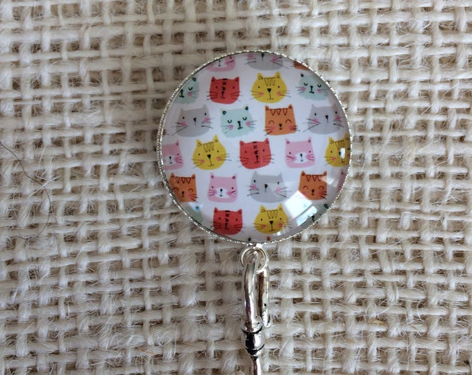 Knitting Pin - Magnetic Knitting Pin for Portuguese Knitting - Glass Holder - Name Tag Holder - Colorful Cats