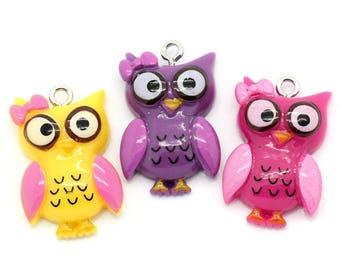 Set of 3 antique OWL resin