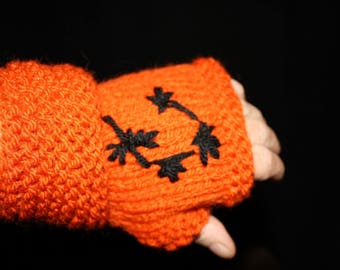 Rust Asian-inspired mittens
