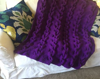 Pow purple Traveling cables throw