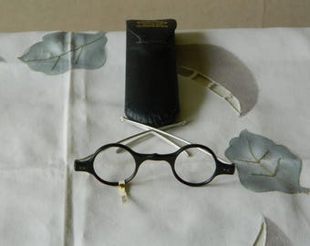 Antique Round Spectacles With Solid Silver Arms. Made in England. 1900's. NOS.