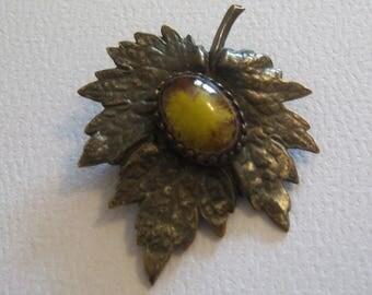 Mottled Art Glass Leaf Pin. Maple Leaf Brooch. Leaf Jewelry.