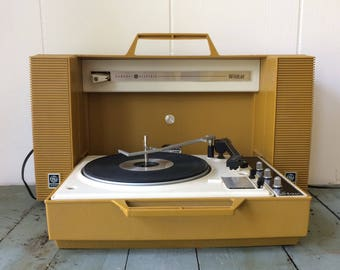 GE Wildcat Record Player