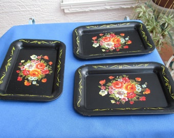 Vintage Tole Floral Small Metal Tray Set