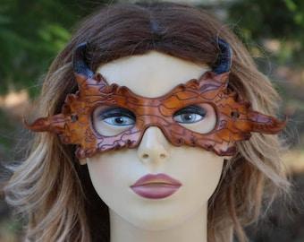 leather bark grain black tipped horned mask