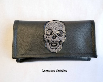 Tobacco faux skull and black.