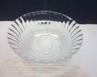KIG Indonesia Clear Glass Serving Bowl Trellis Fleur de Lis Fruit Dessert