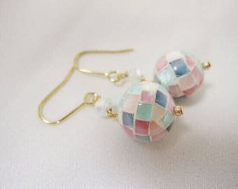 Colorful shell beads earrings