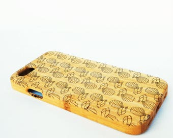 WOODEN PHONE CASE New Zealand Fantail design laser etched bamboo (wooden iPhone 7 case)