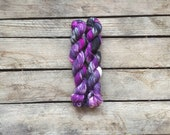 "Handdyed Mini-skein of Sockyarn, ""Purple and Black"" Mini-skein, 75/25 SW Merino/Nylon"