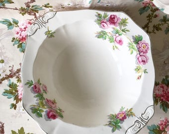 An Alfred Meakin large fruit bowl with pink roses