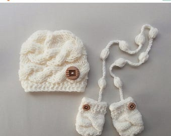 SALE 15% DISCOUNT Knit SET Baby Boy Hat and Mittens , Baby  Photo Prop , Knit Baby Hat and Mittens