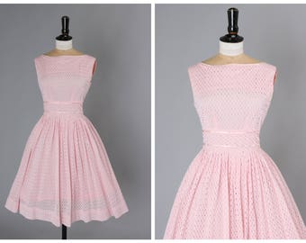 Vintage original 1950s 50s baby pink broderie anglaise dress with full skirt UK 6 8 US 2 4 S
