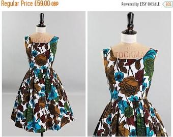 ON SALE Vintage original 1950s 50s vibrant floral print cotton dress with full skirt UK 6 8 Us 2 4 Xs S