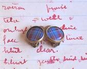 Bronze boucles d'oreilles clips cabochon vintage Tartan - Motif geometrique à carreaux rouge et bleu, bijoux cabochon résine