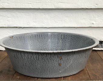 "graniteware tub with 1 handle ~ missing 1 handle ~ enamelware wash tub ~ 18"" washtub ~ dishpan~ enamelware wash basin ~ farmhouse antique"