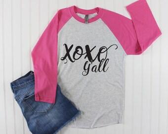 Women's Valentines Day Shirt/ Valentines Day Shirt for Women/ XOXO yall shirt/ Love shirt/ Valentines Day Shirt for Teacher/ Raglan Shirt