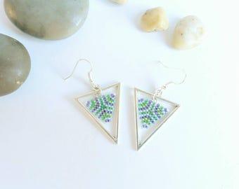 Green Triangle Earrings, Geometric Earrings, Silver Triangle, Beaded Earrings, Beadwoven Earrings, Modern Jewelry, Drop Earrings, Peyote,